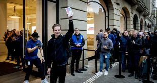 The real story behind the huge crowds gathered at iPhone launches