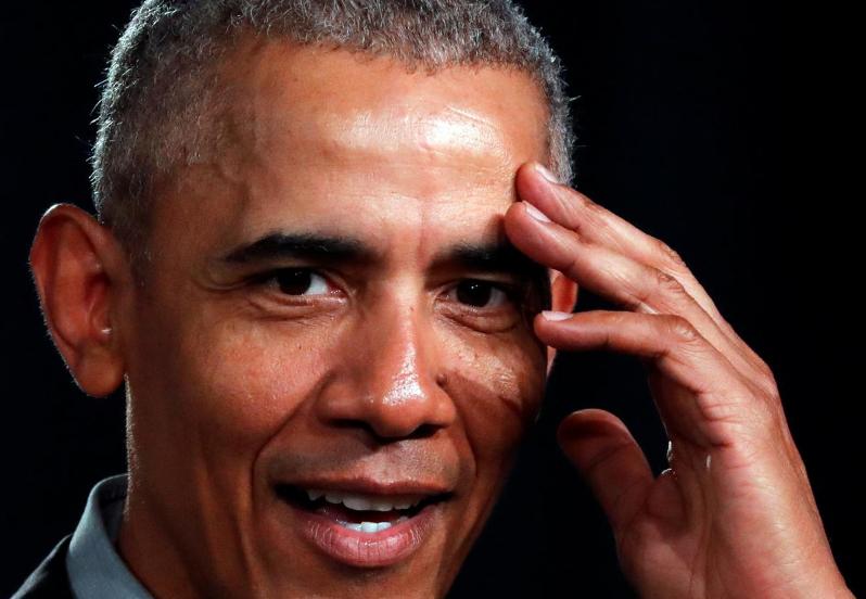 Barack Obama, silent in Democratic nominating contest, omnipresent in debate