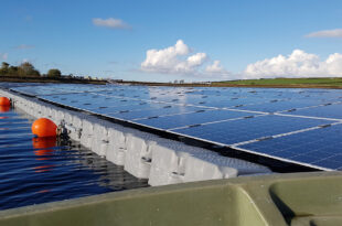 Floating solar farms could cool down lakes threatened by climate change